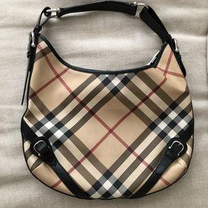 Vintage Burberry shoulder bag!